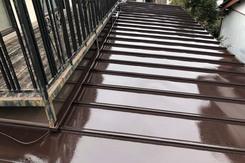 屋根塗装 小山市トタン屋根塗装(中~上塗り)
