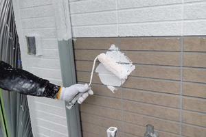 外壁塗装 鹿嶋市サイディングボード壁塗装(下地調整、下塗り)
