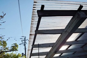屋根塗装(外壁張り替え) 塙町 トタン屋根塗装(施工前)